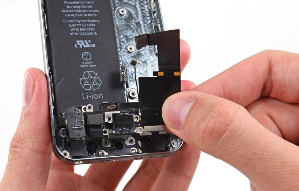 Замена разъема наушников iPhone 6s Plus