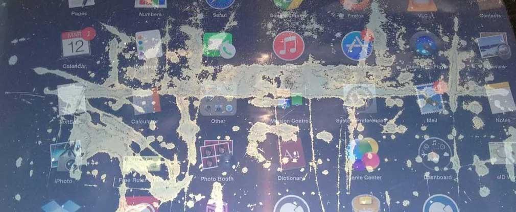 Пятна на экране macbook