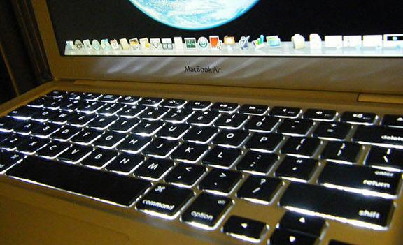 Подсветка MacBook не работает