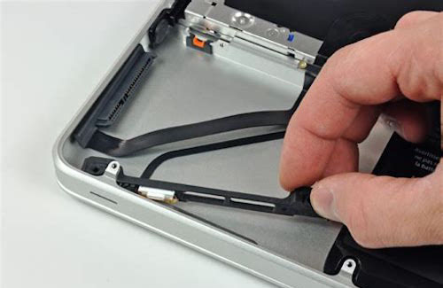Замена шлейфа HDD MacBook Pro